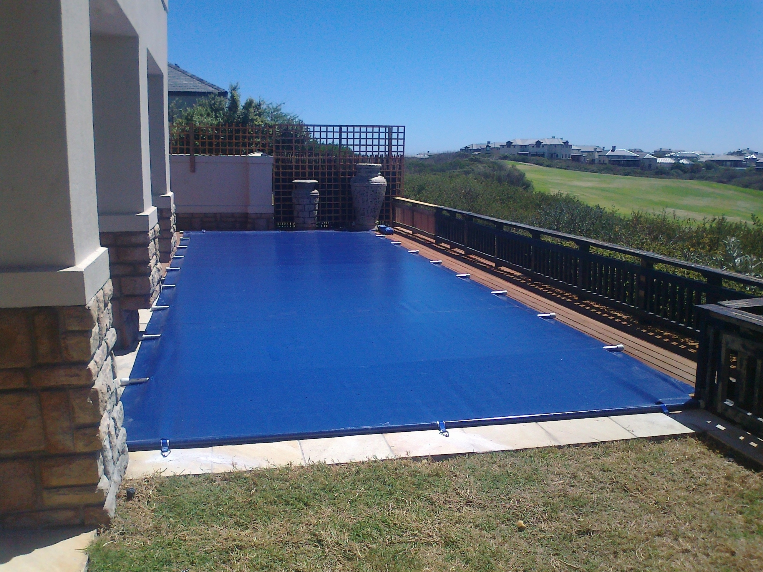Energy saving safety cover garden route spa 39 s pools for Garden pool covers